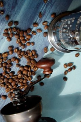 cafe_creme_wholebeans_2-min