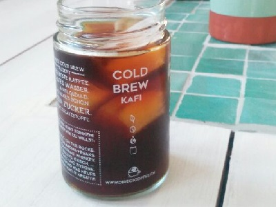 Cold Brew Glas wie Marmeladenglas